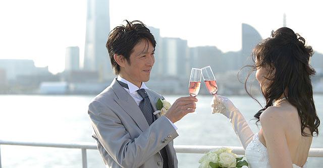 デッキでの船上結婚式